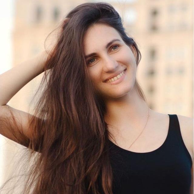 Натела Енева